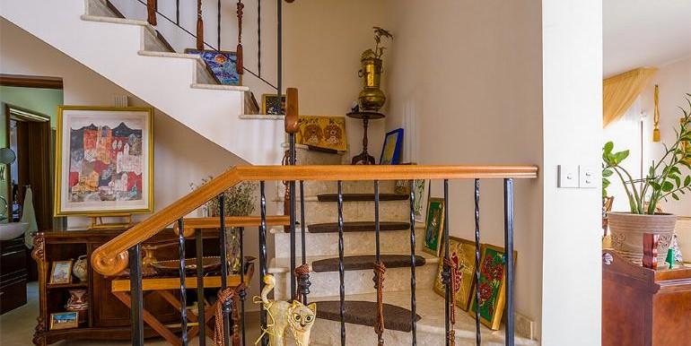 souni-staircase