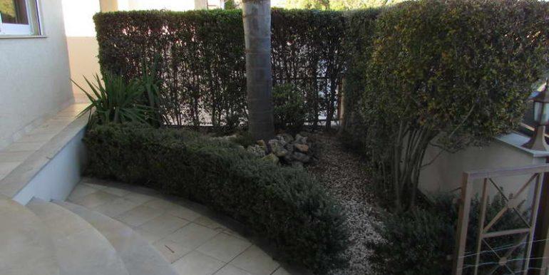 house-garden2