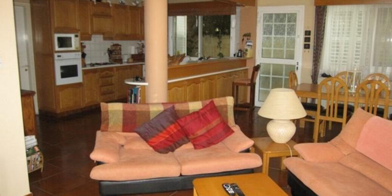 house-kitchen-familyroom