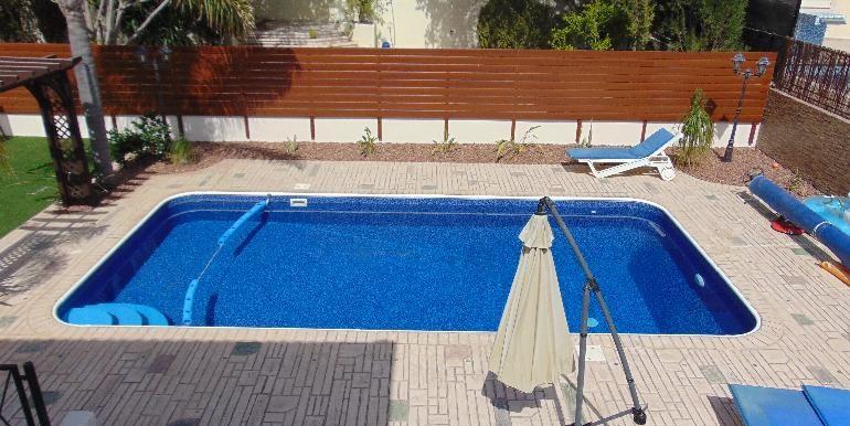 Villa - swimming pool2