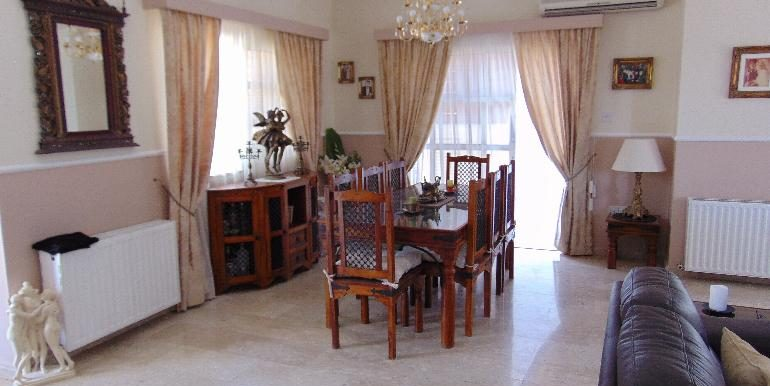 villa - dining area
