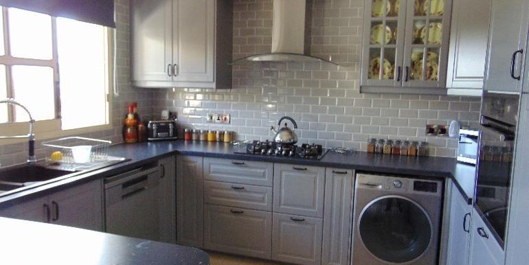 villa -kitchen