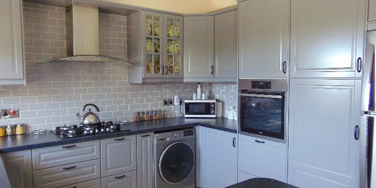 villa -kitchen2