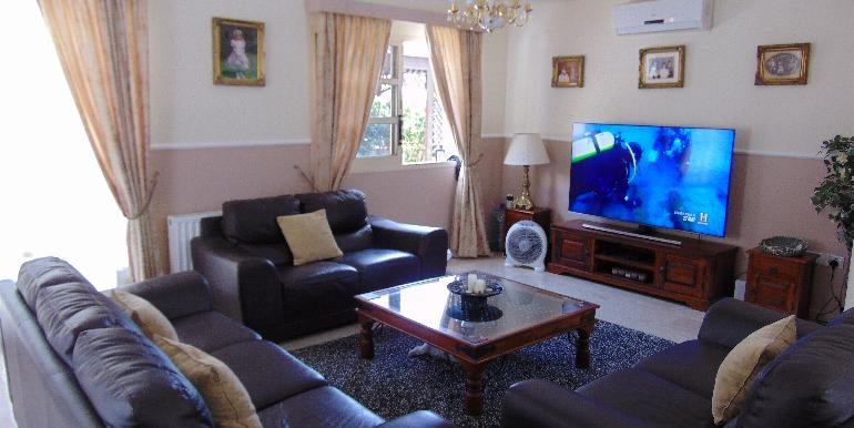 villa - lounge area