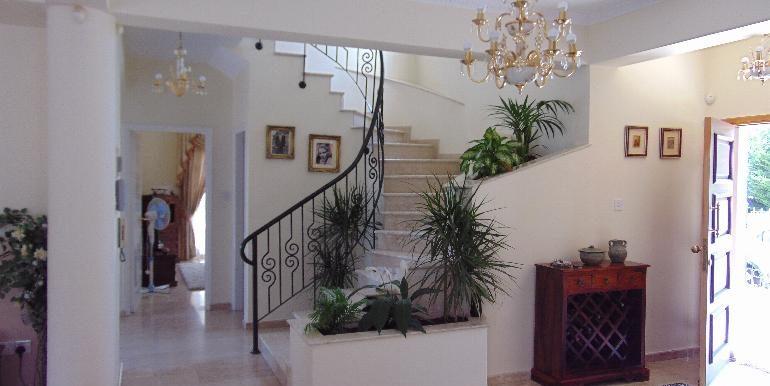 villa - stairs