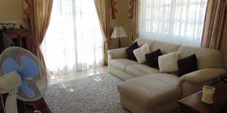 villa - tv room