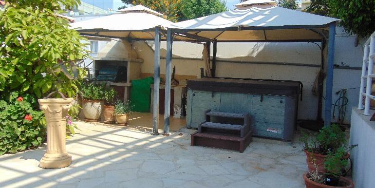 House - bbq patio