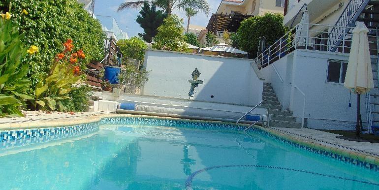 House - pool2