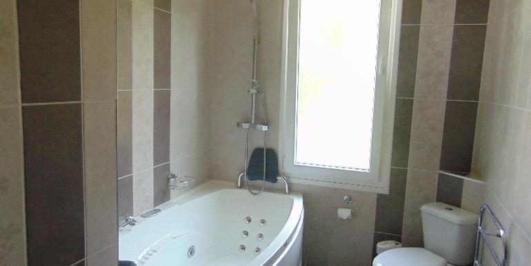 House - upper bathoom