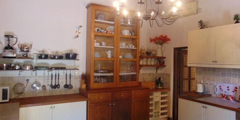 old town - kitchen2