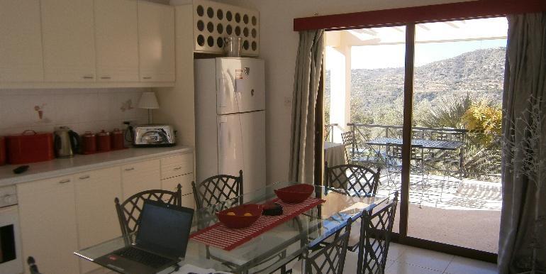 lania-kitchen-breakfast