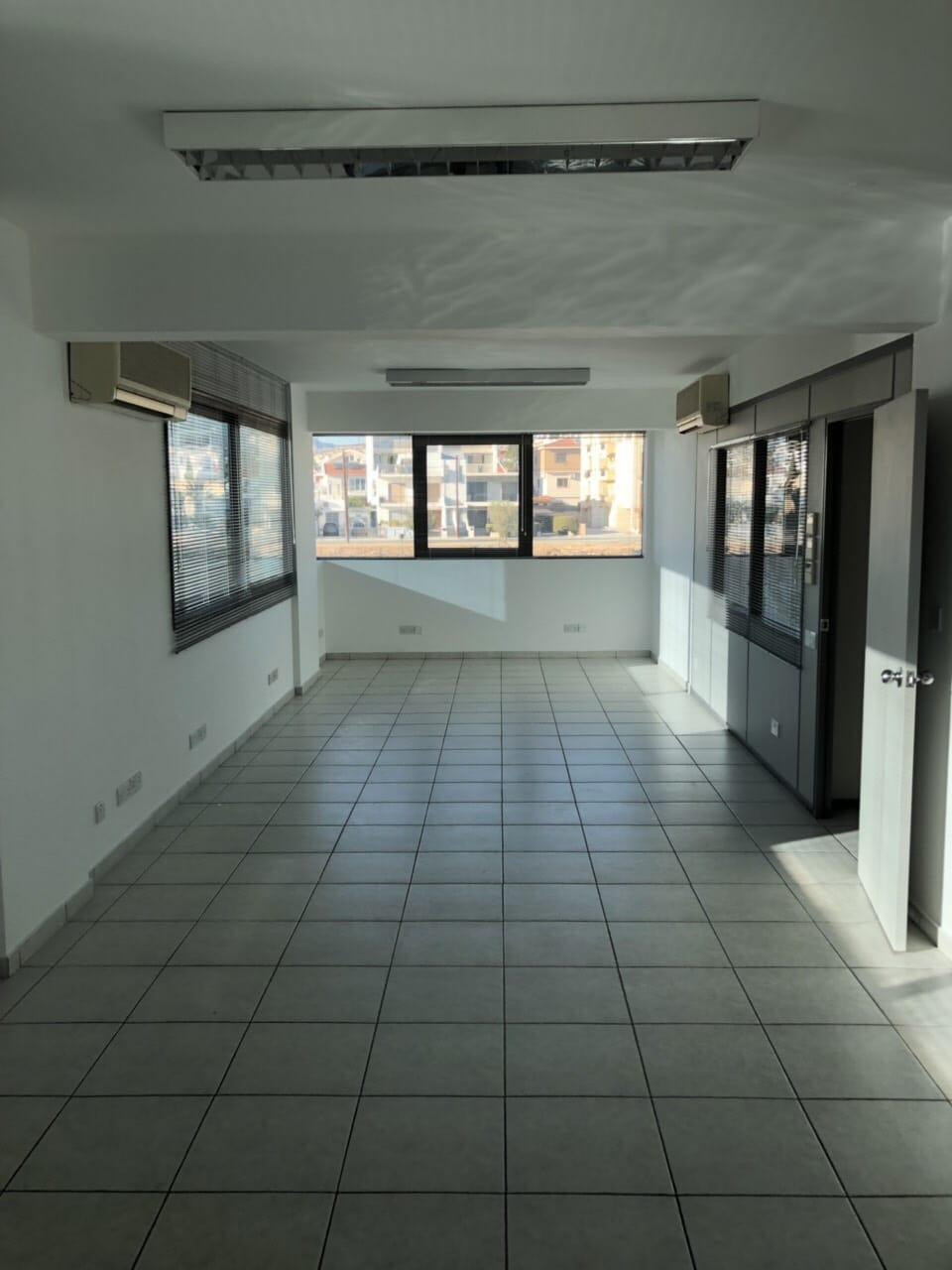 1121 – Office of 250 sq m – Limassol