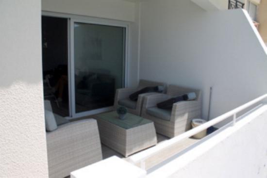 Apartment balcony3
